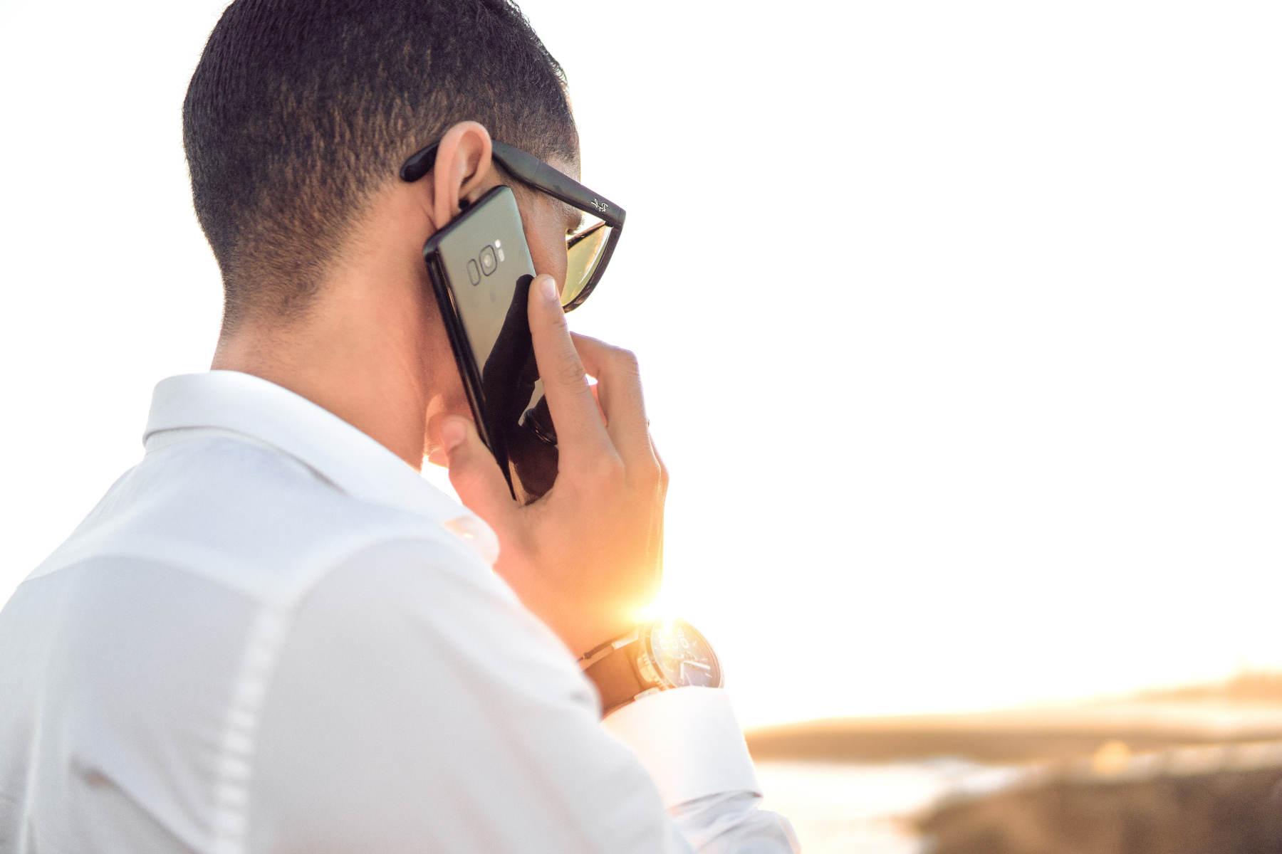 telefonkonferenz-geringe-kosten-fuer-teilnehmer